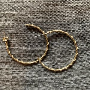 Medium wrap hoops